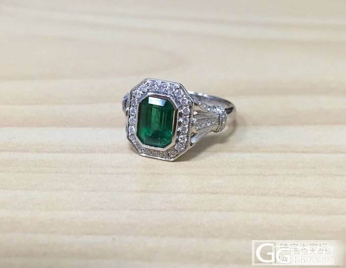新鲜出炉的奶奶绿戒指样式特别喜欢,想..._祖母绿